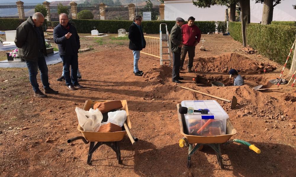 Intervención para recuperar la Memoria Histórica en el cementerio de Nerva.